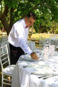 camarero-benidorm-catering-aurrera